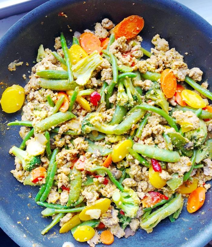 creamy spicy healthy stir fry with true made foods veracha veggie sriracha and tahini